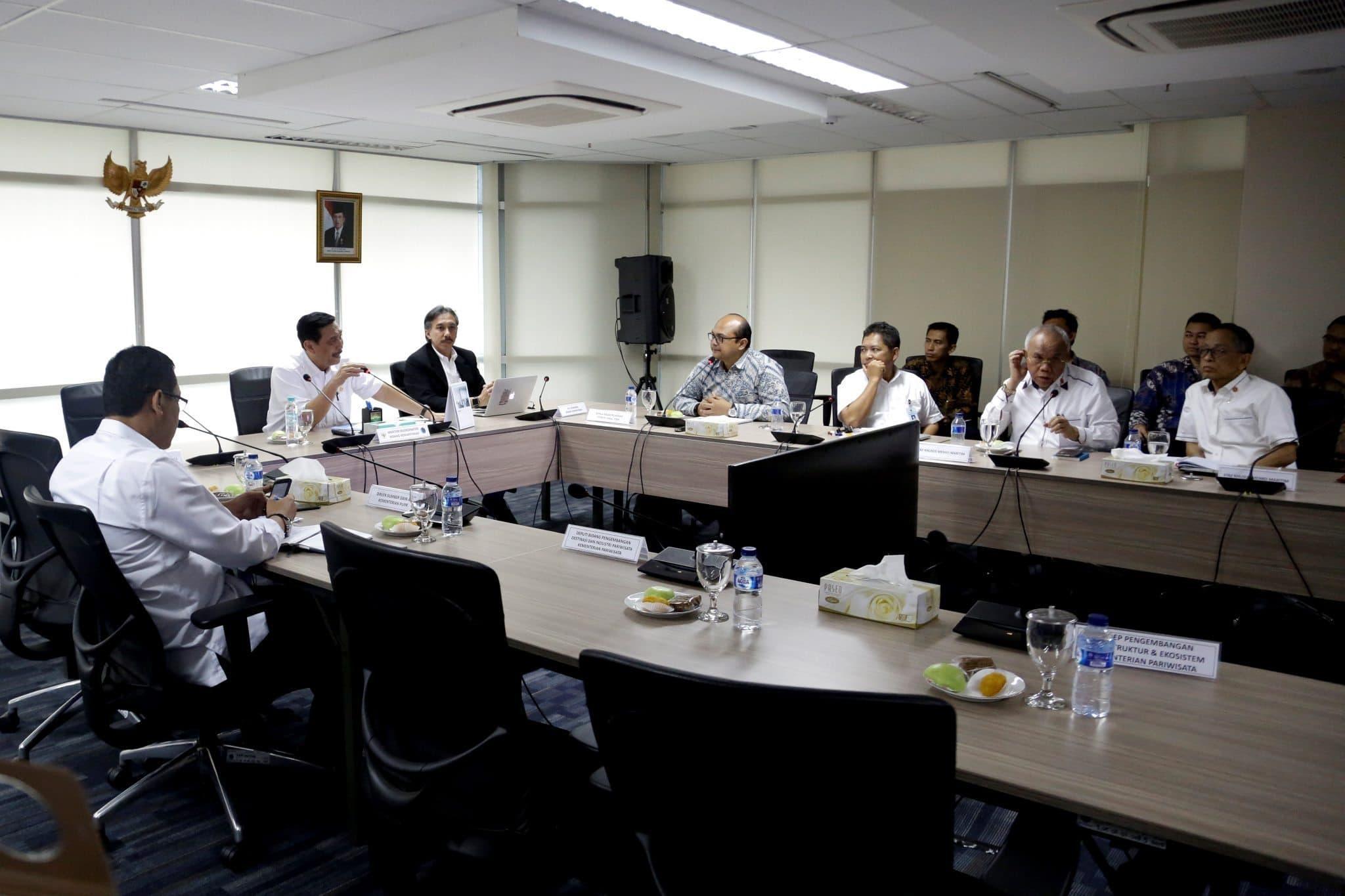 Menko Bidang Kemaritiman, Luhut B. Pandjaitan pimpin Rapat Koordinasi Sinergitas Pembangunan dan Pengelolaan Kawasan Pariwisata Danau Toba