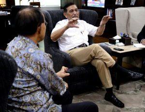 Menteri Koordinator Bidang Kemaritiman Terima Mr. Tanizaki Yasuaki (Dubes Jepang) membahas mengenai Follow up Proyek Kereta Api Ekspres Jakarta-Surabaya dan Pelabuhan Patimban di Kantor Maritim (7/2)