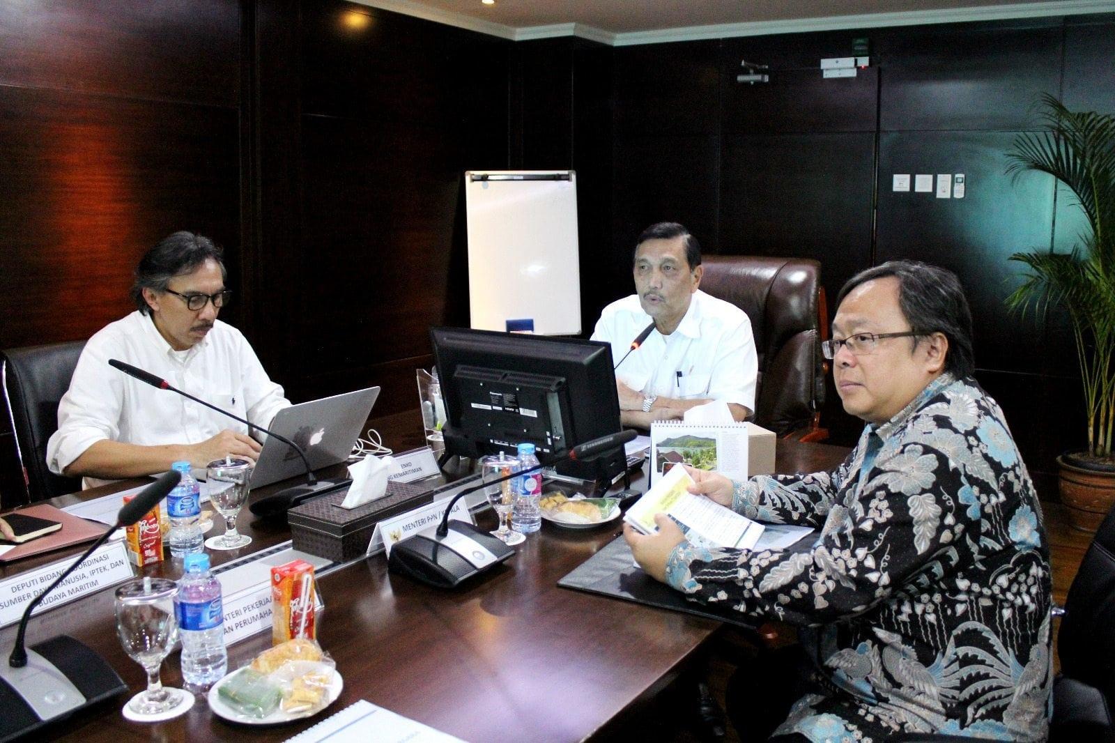 Menko Luhut B. Pandjaitan pimpin Rapat Koordinasi tentang NCICD, di Kantor Maritim