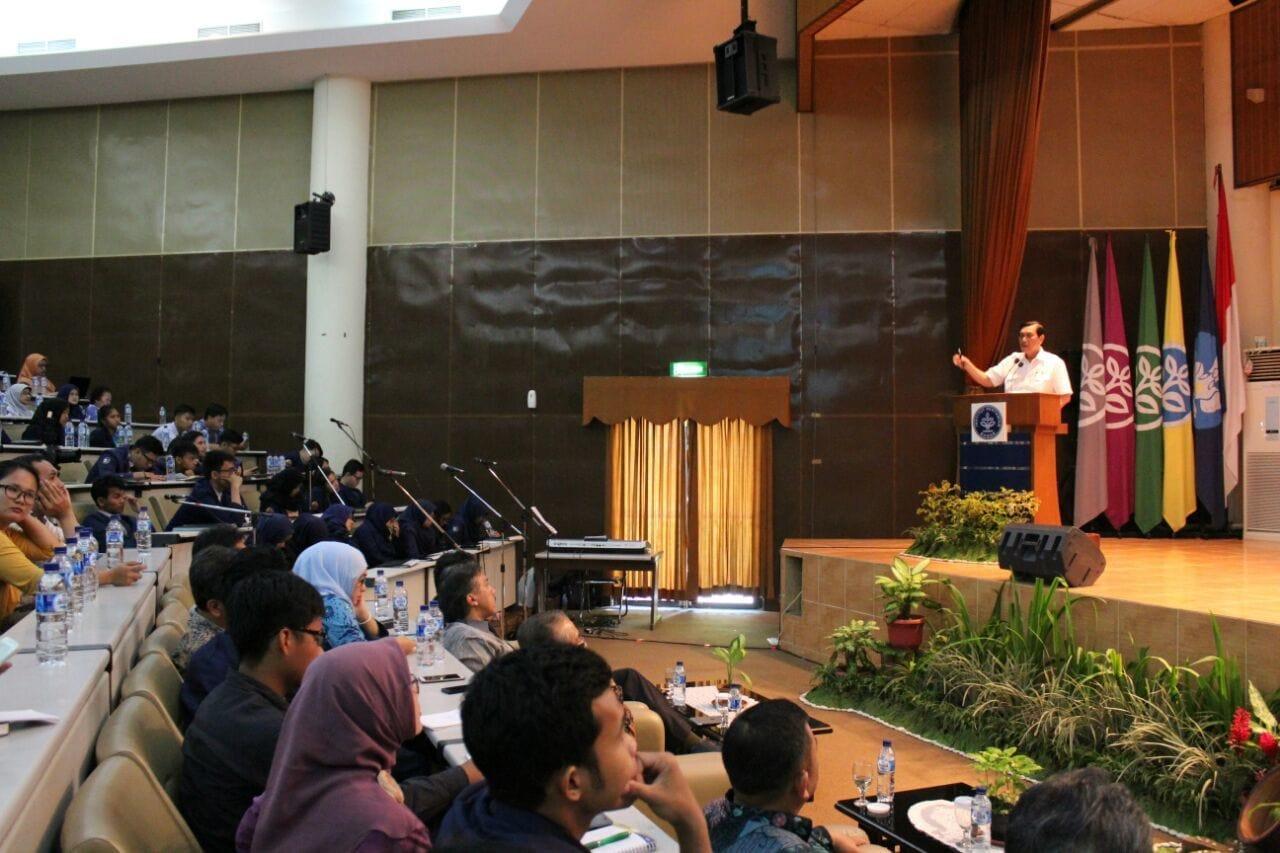 Keynote Speech Menko Luhut pada acara Kuliah Umum (Studium Generale) Mahasiswa dan Dosen IPB di Audiorium Andi Hakim Nasution IPB, Bogor (2/3)