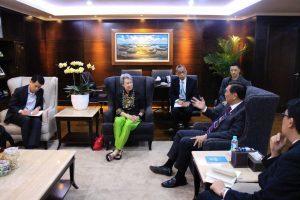 Menko LuhutMeeting bersama Madam Ho Ching (Istri PM Singapura) / CEO Temasek di Kantor Maritim (06/03)