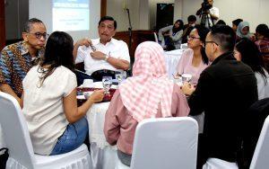 Menteri Koordinator Bidang Kemaritiman Luhut B Pandjaitan megadakan Coffe Morning dengan para media di Jakarta (24/3)