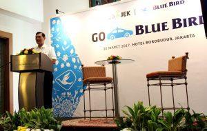 Menteri Koordinator Bidang Kemaritiman Luhut B Pandjaitan di menghaadiri sekaligus memberikan sambutan dan menyaksikan peluncuran kolaborasi Blue Bird dan Gojek di Borobudur Hotel (30/3)