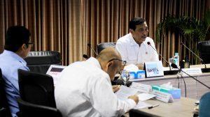 Menteri Koordinator Bidang Kemaritiman Luhut B Pandjaitan menerima Laporan Khusus Langkah dan Kebijakan Kemenko Bidang Kemaritiman RI terhadap Penangkapan/Penahanan dan Penenggelaman Kapal Ikan di Kantor Maritim (10/4)