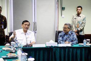 Menko Luhut saat kunjungan kerja ke Kantor BMKG Pusat sekaligus launching aplikasi BMKG-OFS (Ocean Forecast System), Jakarta (31/3).