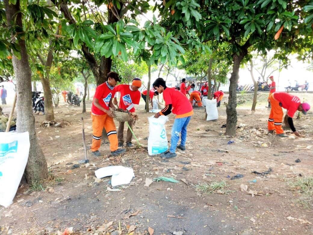 Peringati Hari Bumi, Kemenko Maritim Laksanakan Aksi Gerakan Bersih Indonesia di BKT Cilincing