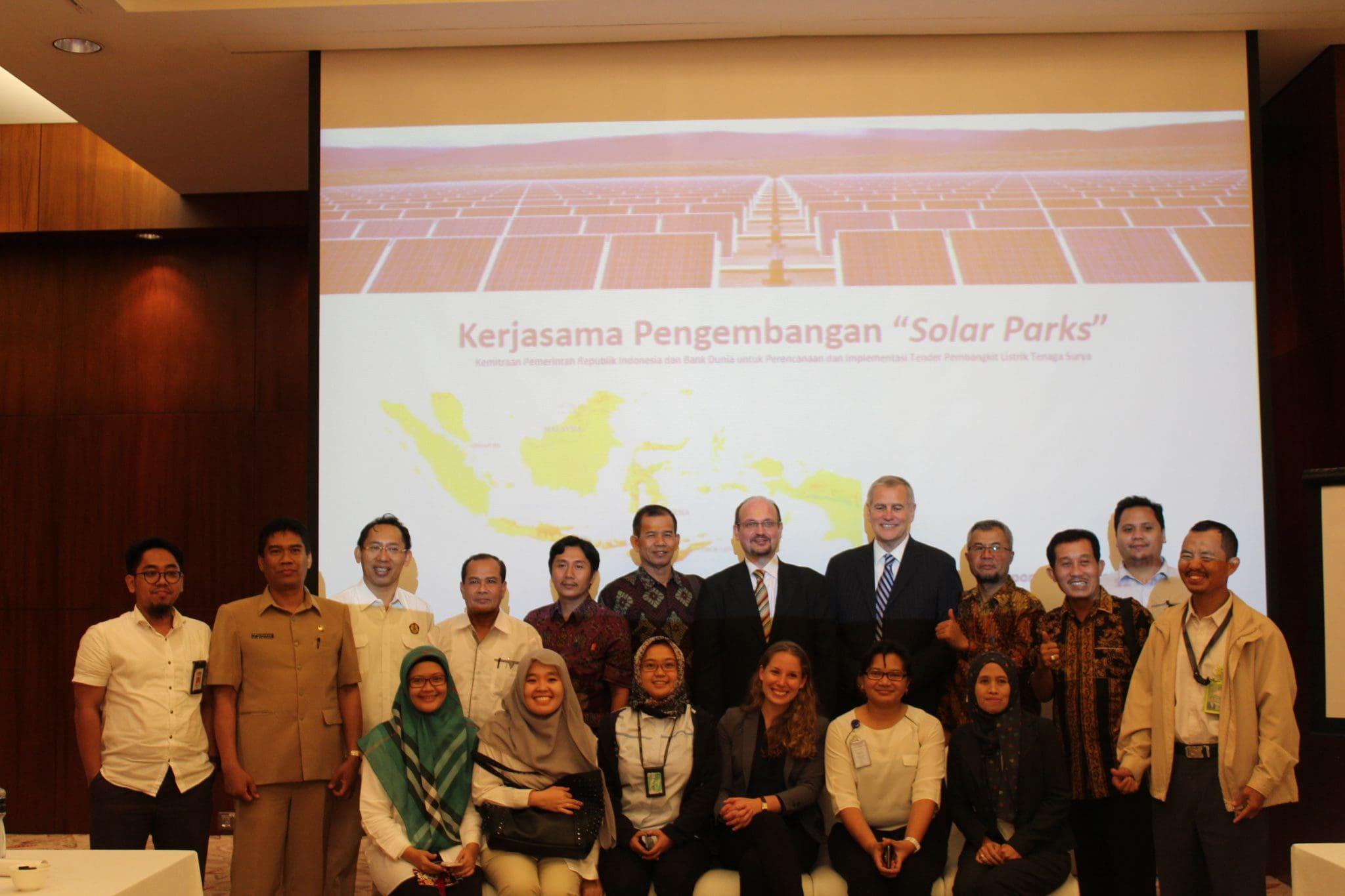 """Kerja sama Pemerintah Republik Indonesia dan Bank Dunia Tentang Pengembangan """"Solar Parks"""" di Indonesia"""