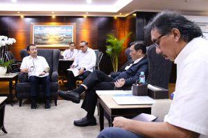 Menko Maritim Luhut Binsar Pandjaitan Meeting dengan Direktur Utama PELNI Elfien Goentoro