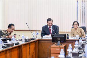 Menko Luhut Hadiri Rapat Blended Finance