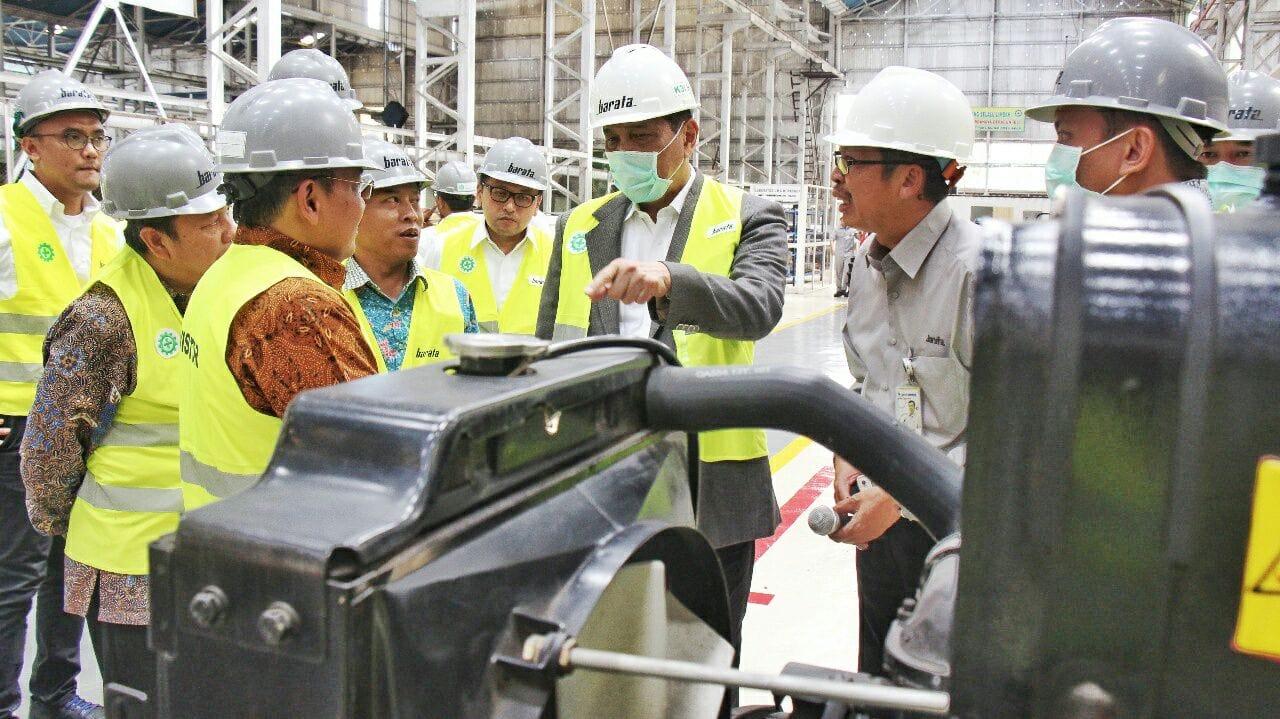 Menko Luhut Kunjungi Kantor PT Barata Indonesia di Gresik