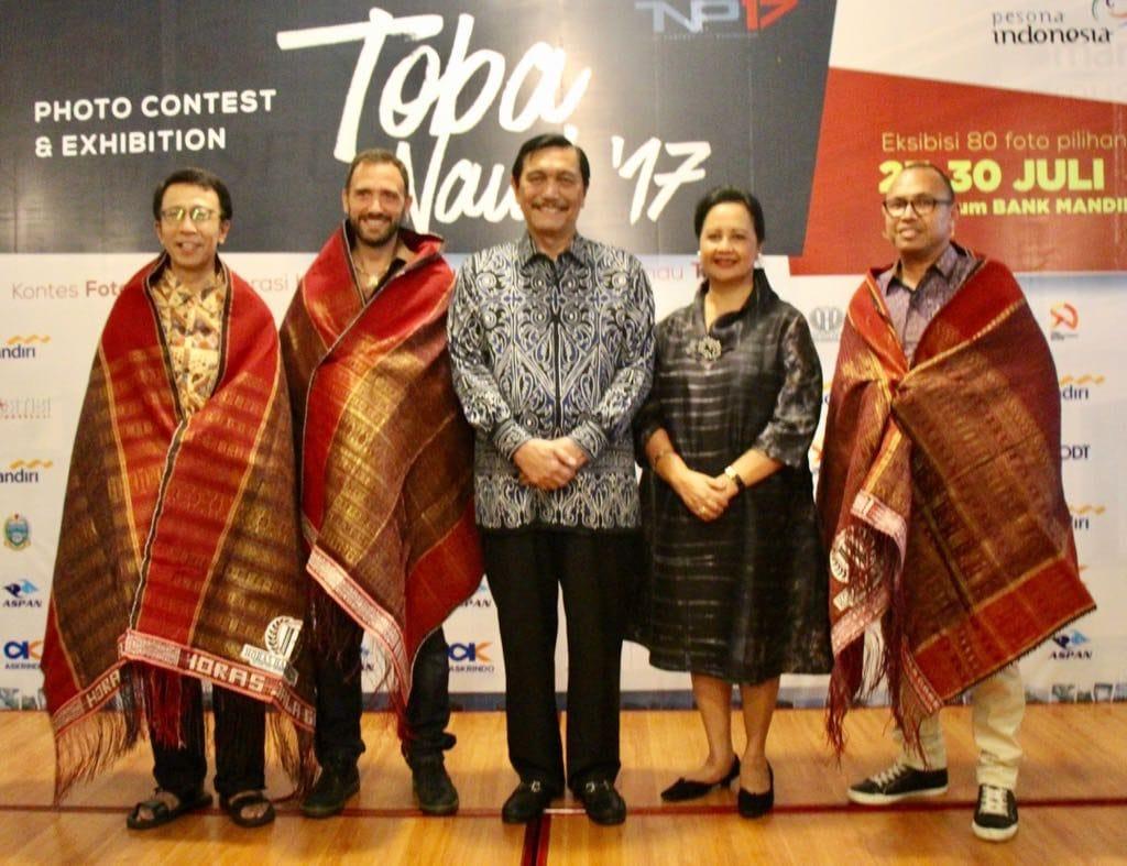 Menko Maritim Apresiasi Toba Nauli Photo Contest & Exhibition 2017