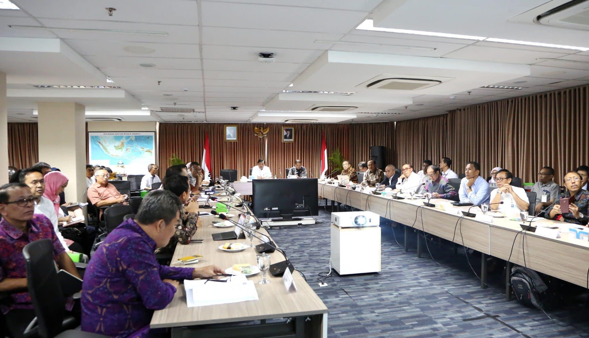 Menko Luhut Pimpin Rakor Tentang Pengembangan Pelabuhan Benoa