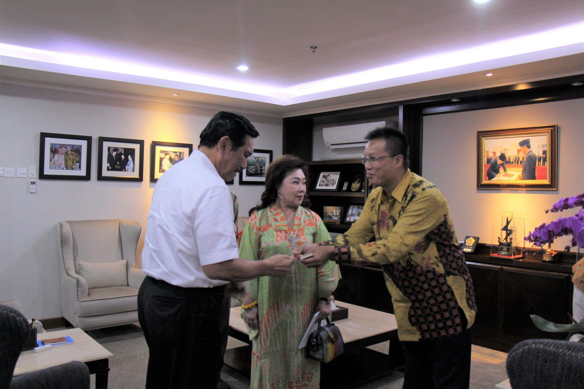 Menko Luhut Rapat Bersama Strong Group China dan Diaspora Indonesia di China