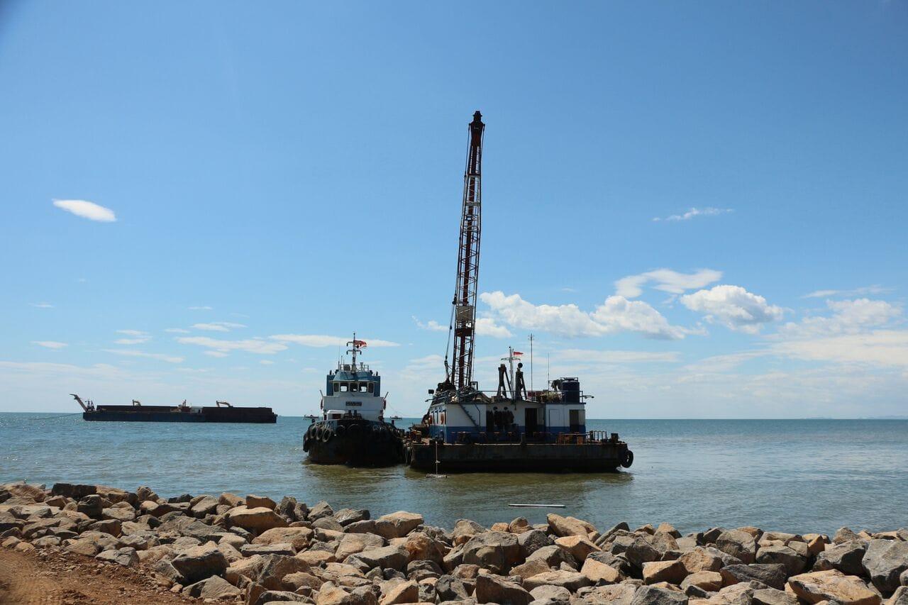 Kemenko Maritim Meninjau Perkembangan Pembangunan Infrastruktur Makassar New Port
