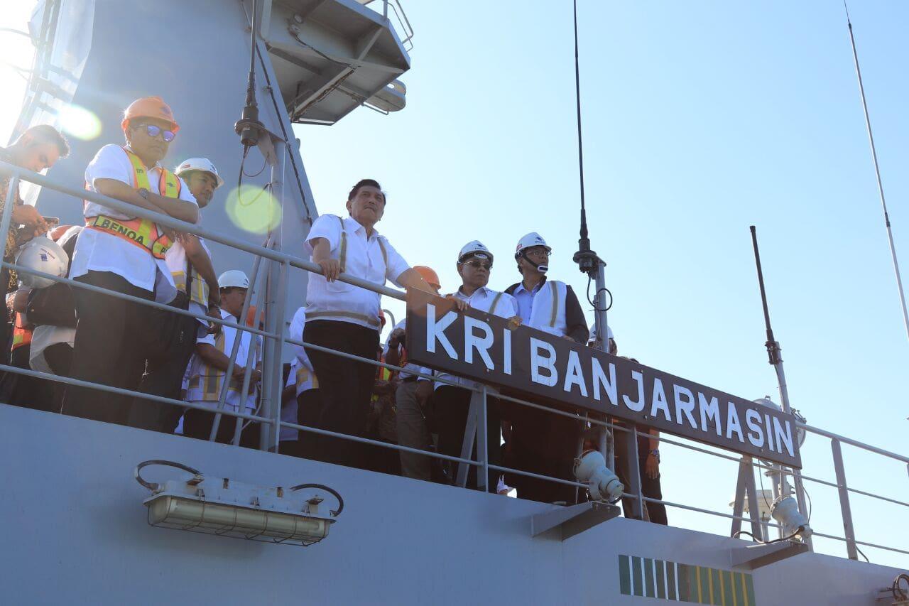 Menko Luhut Meninjau Pelabuhan Indonesia III Cabang Benoa