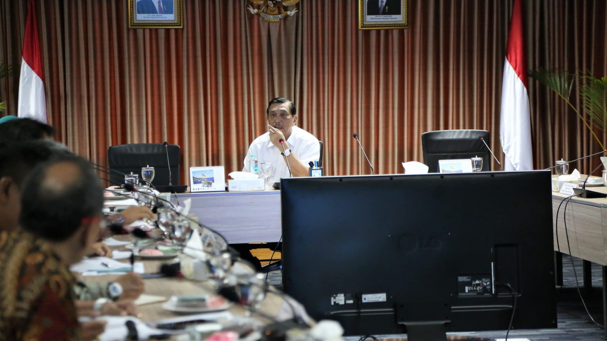 Menko Luhut Rapat Khusus Penyelesaian Bandara Internasional Jawa Barat (BIJB)