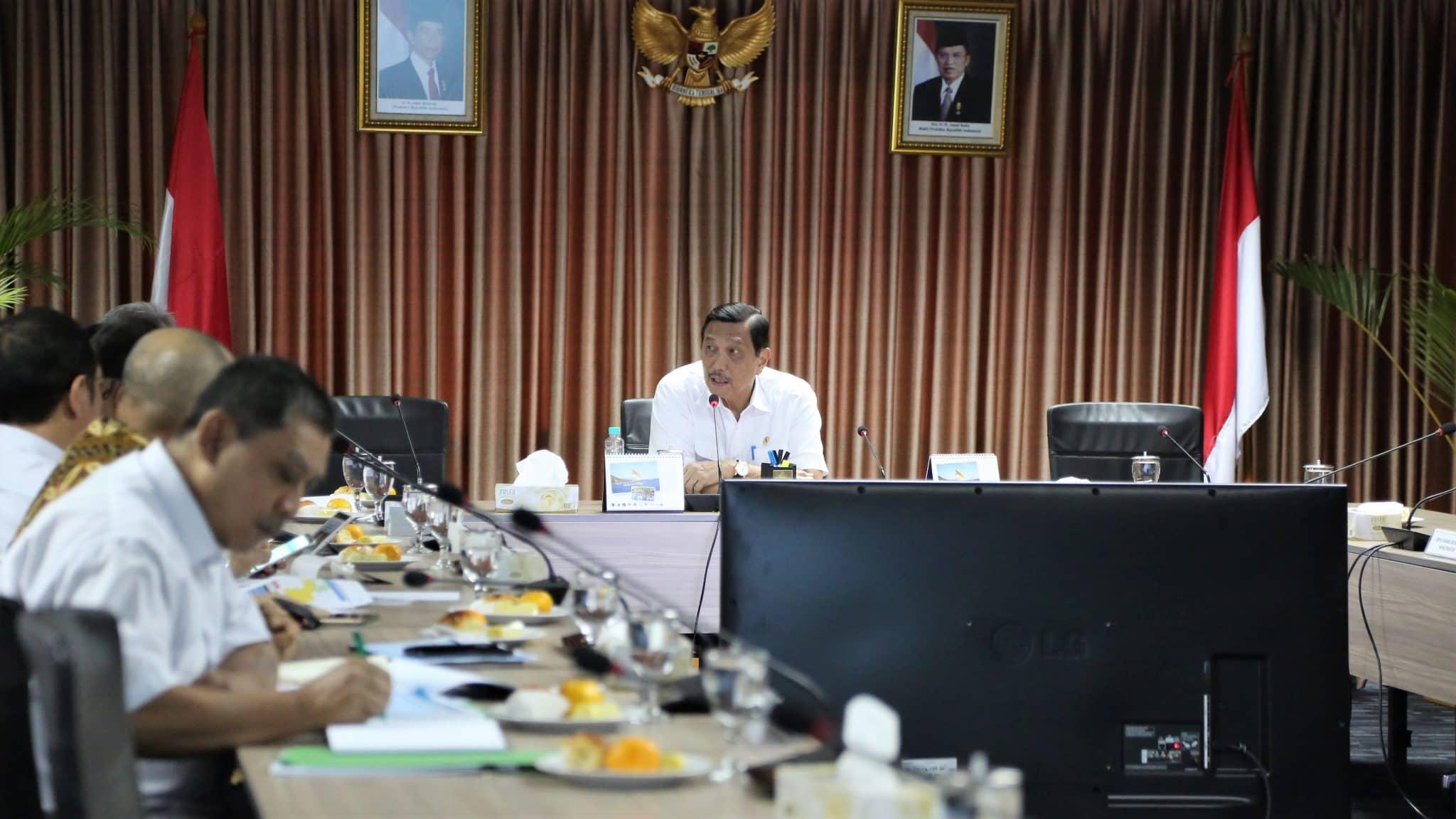 Menko Luhut Rakor Lanjutan Tentang Penyelesaian Jalan Tol Cisumdawu