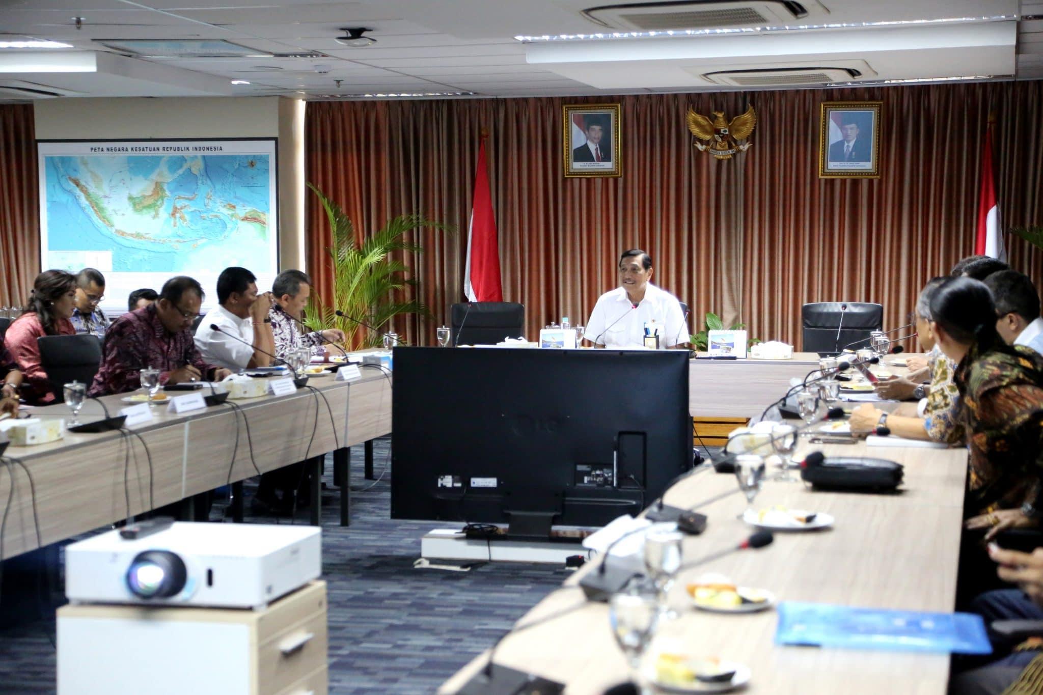Menko Luhut Pimpin Rakor Pembangunan Infrastruktur Terpadu Bali
