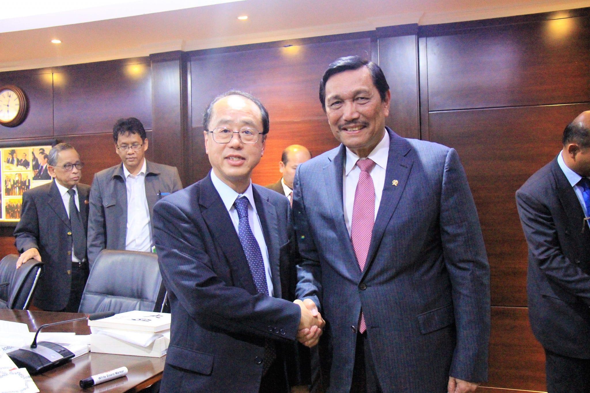 Menko Luhut menerima Audiensi dari Special Advisor PM Jepang di Kantor Maritim