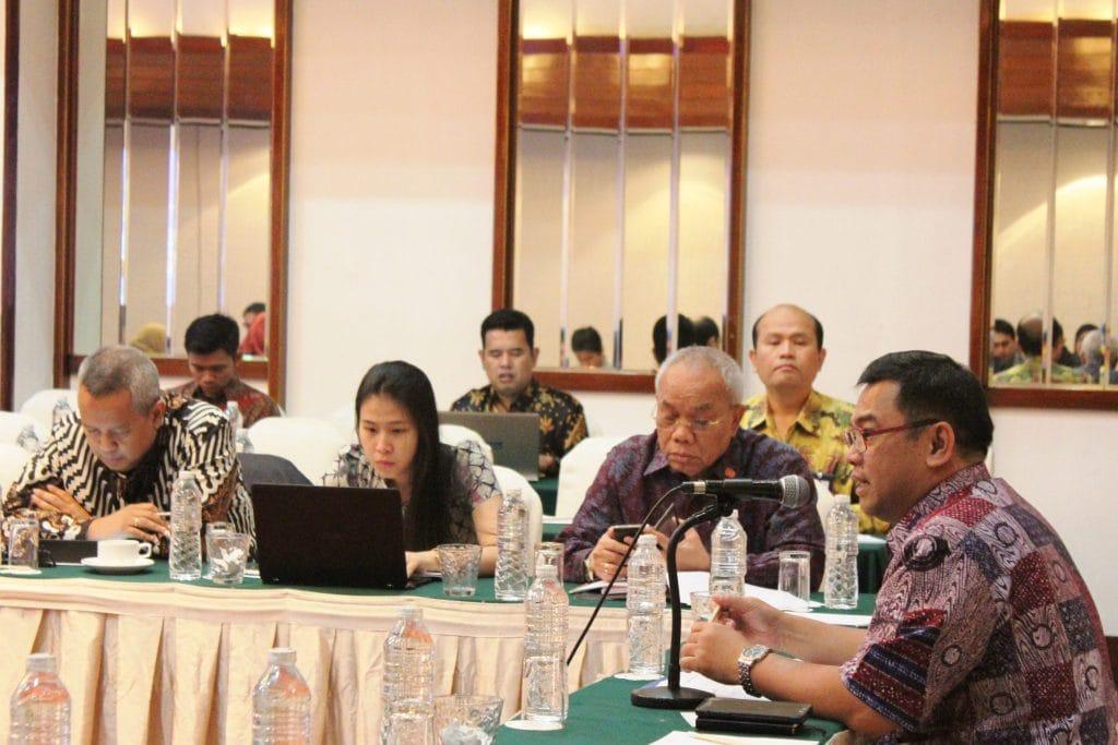 Deputi Bidang Sumber Daya Alam dan Jasa membuka Rapat Koordinasi Pembahasan Rancangan Peraturan Pemerintah tentang perlakuan Perpajakan dan / atau penerimaan bukan Pajak di Bidang Usaha Pertambangan Mineral dan Batubara