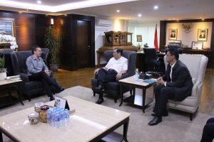 Menko Luhut Rapat dengan Mr. Oliver Hess (World Economic Forum)