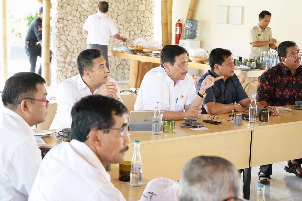 Menko Luhut Pimpin Rakor Pengembangan Bandara dan Kawasan Industri Buleleng