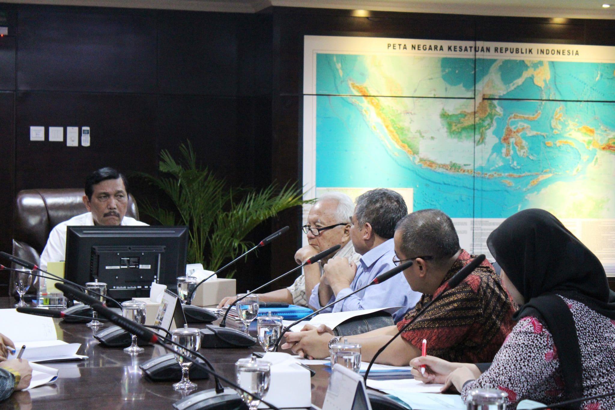 Menko Luhut B. Pandjaitan Meeting dengan Satgas Penanganan Tumpahan Minyak Montara