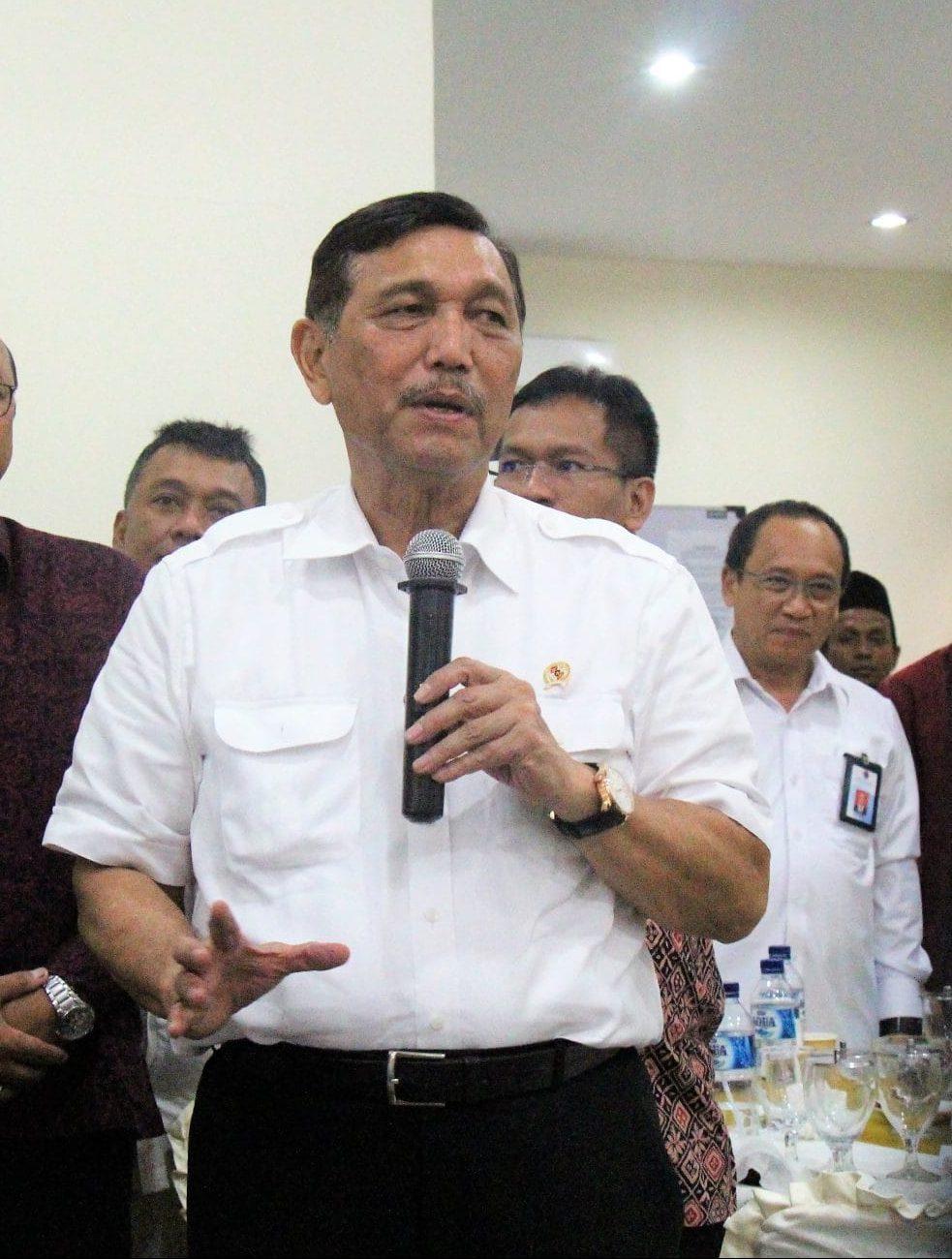 Minat Investor Tinggi, Menko Luhut Pantau Pembangunan Jalan Tol hingga Pembersihan Keramba di Sumut