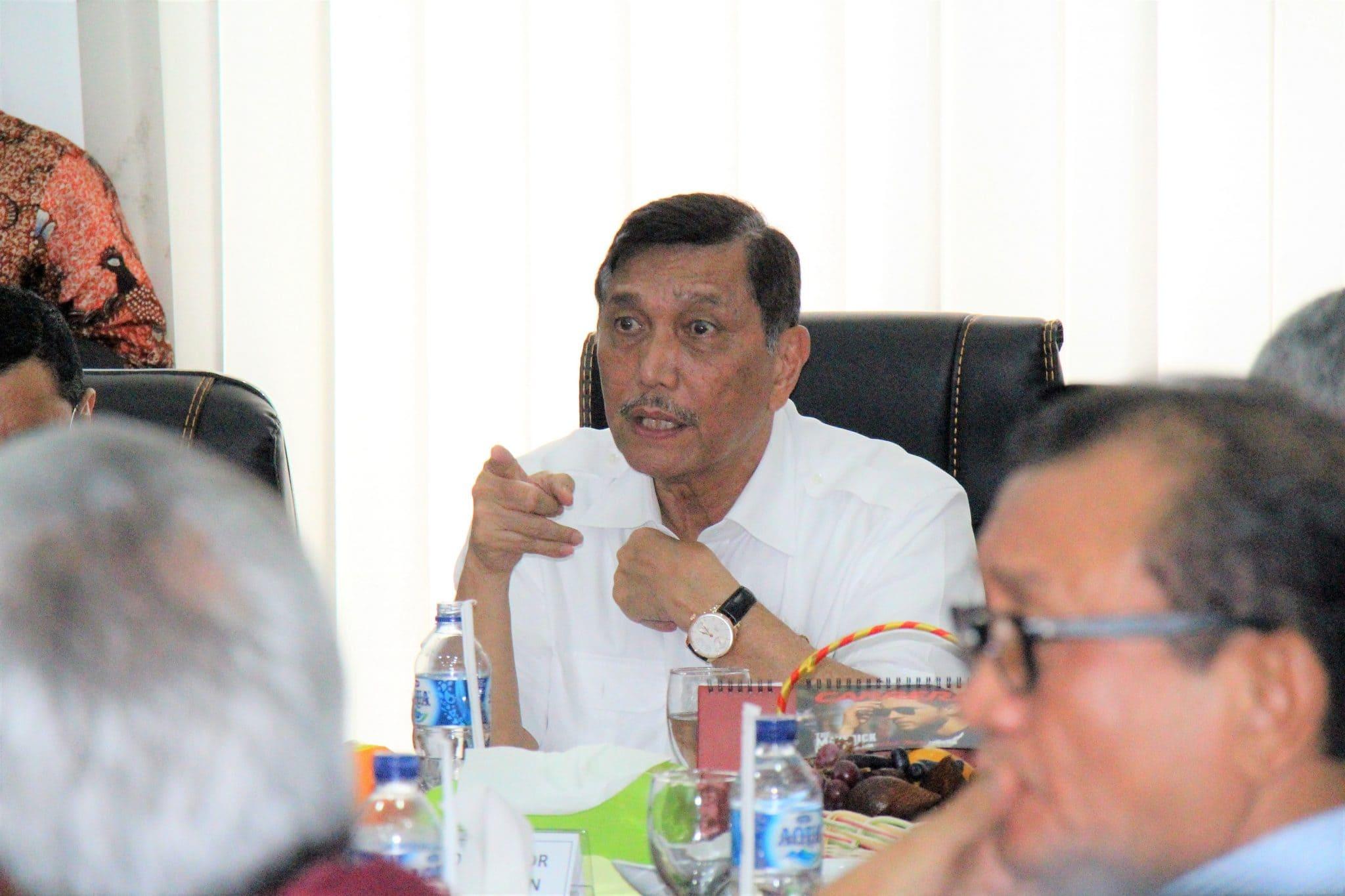 Menko Luhut Rakor Kelompok Ahli Dewan Pengarahan BOPDT di Medan
