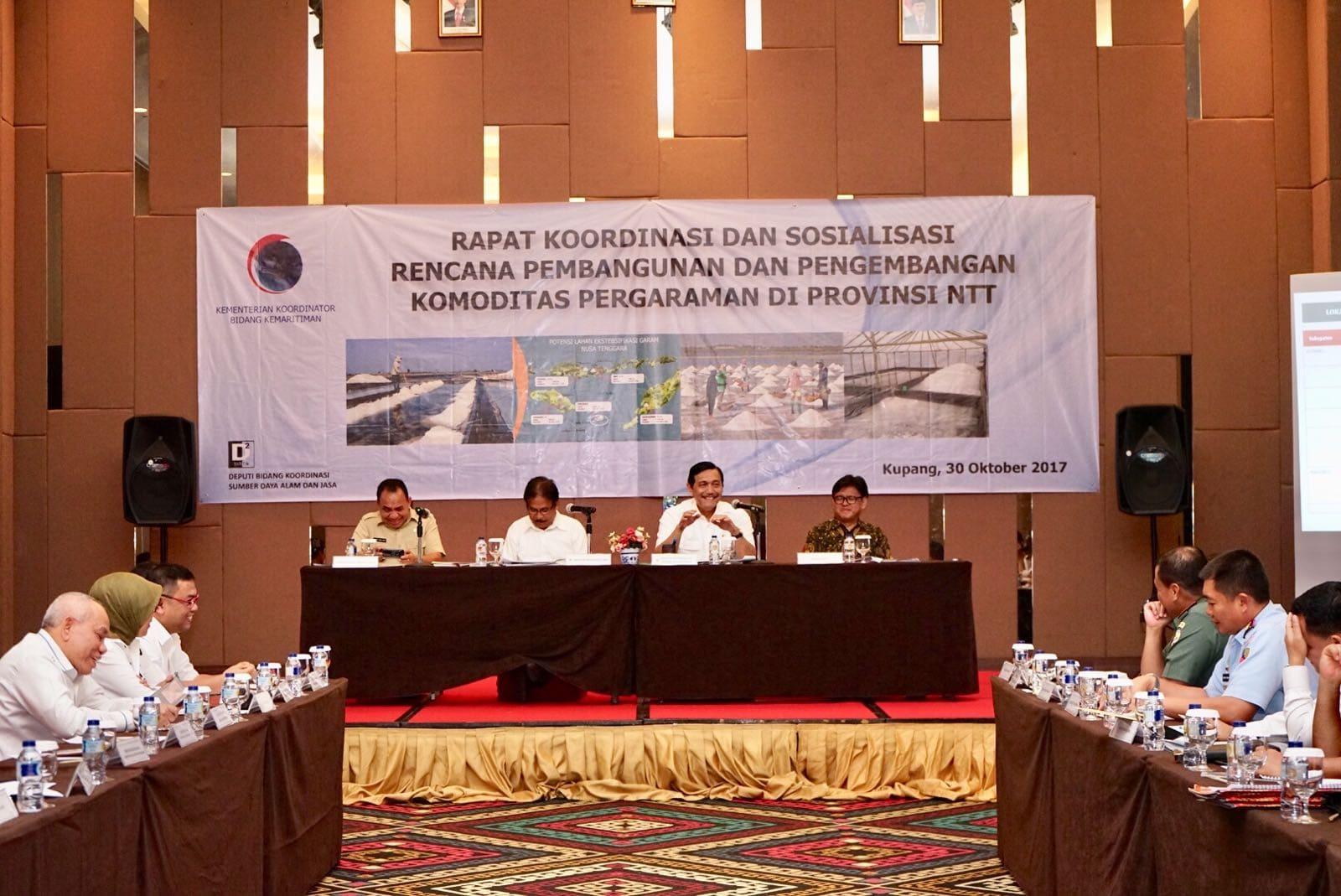 Menko Luhut Pimpin Rakor Pengelolaan dan Pengembangan Garam Nasional di Kupang, NTT