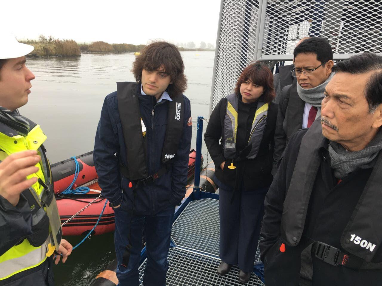 Menko Maritim Ajak Generasi Muda Berinovasi Berantas Sampah Plastik