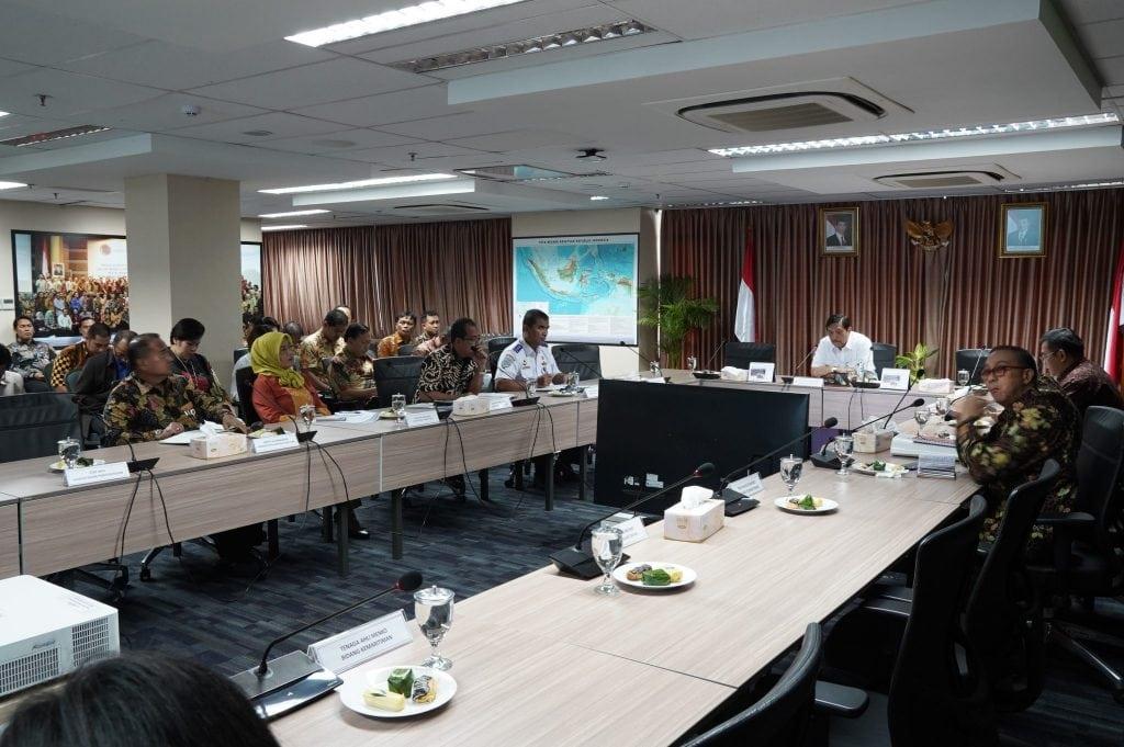 Menko Luhut Pimpin Rakor Lanjutan tentang Pengelolaan Pelabuhan dan TKBM