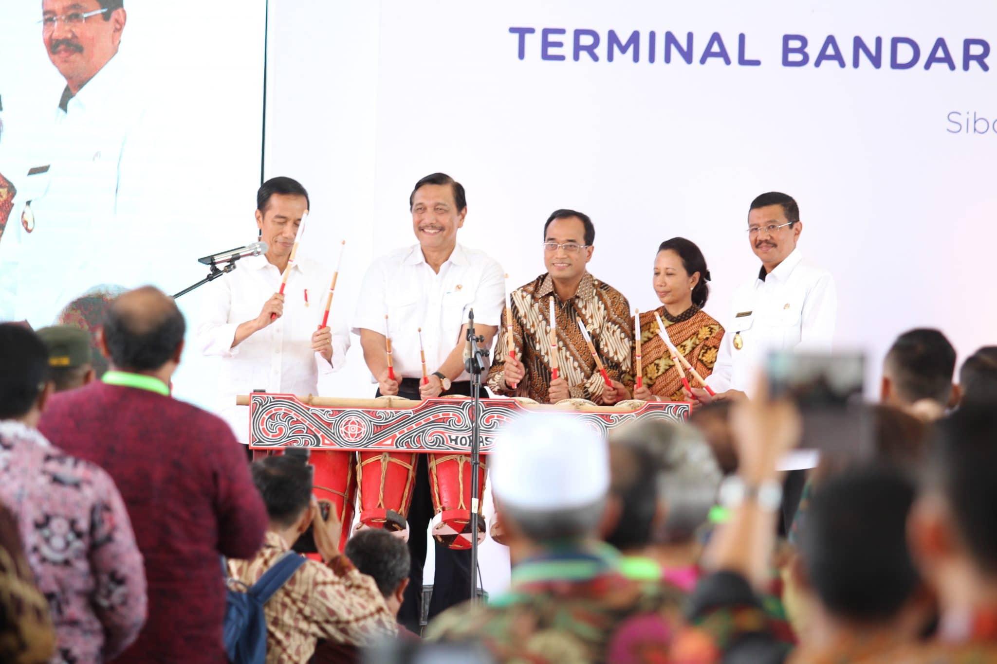 Bandara Silangit diresmikan, Menko Luhut: Orang Batak Tidak Pernah Menyangka Punya Bandara Internasional