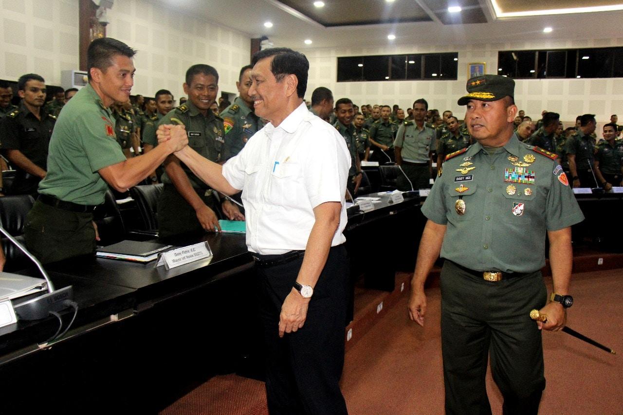 Menko Luhut Beri Kuliah Umum di Seskoad Bandung