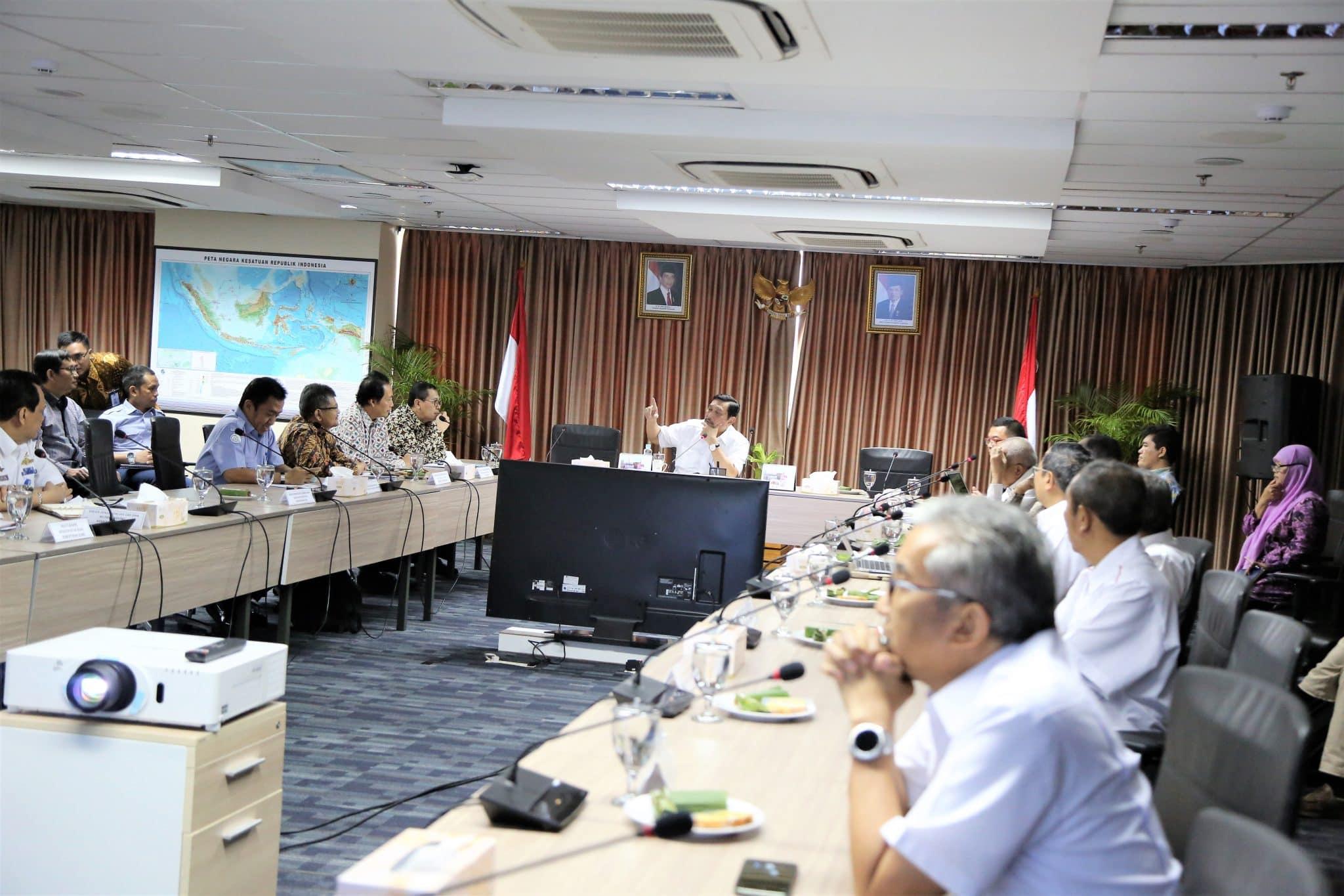 Menko Luhut Rakor Langkah dan Kebijakan CSR untuk Rehabilitasi Ekosistem Mangrove