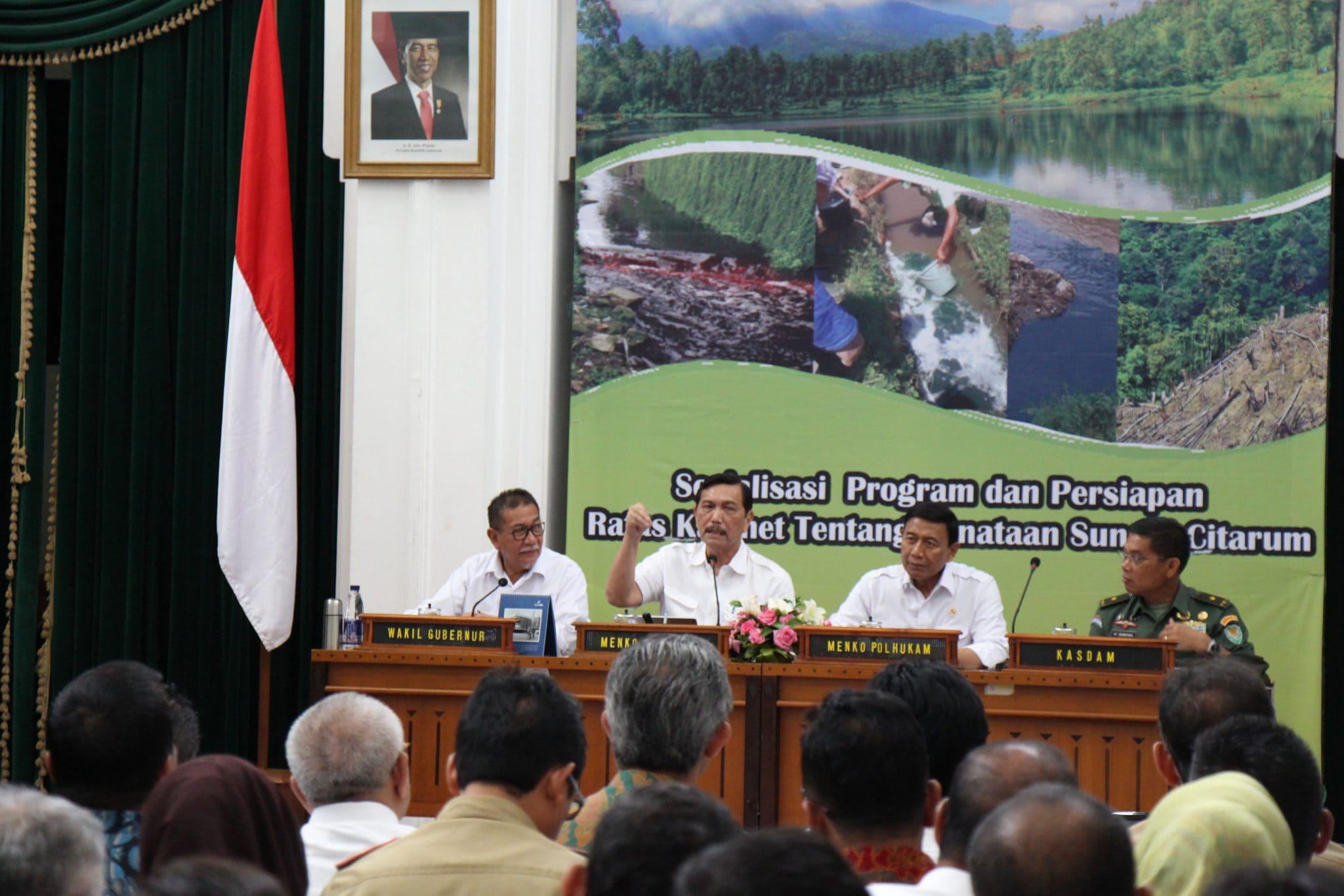 Menko Maritim Luhut B. Pandjaitan Pimpin Jalannya Rapat Koordinasi Sosialisasi Program Persiapan Ratas Kabinet Tentang Penanganan Sungai Citarum