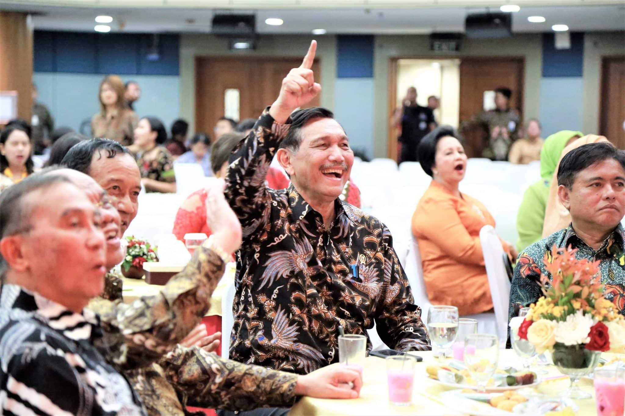 Menko Luhut Hadiri Perayaan Natal dan Tahun Baru 2018 di Auditorium BPPT