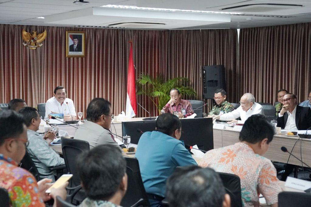Menko Luhut Pimpin Rakor tentang Revitalisasi Biro Klasifikasi Indonesia