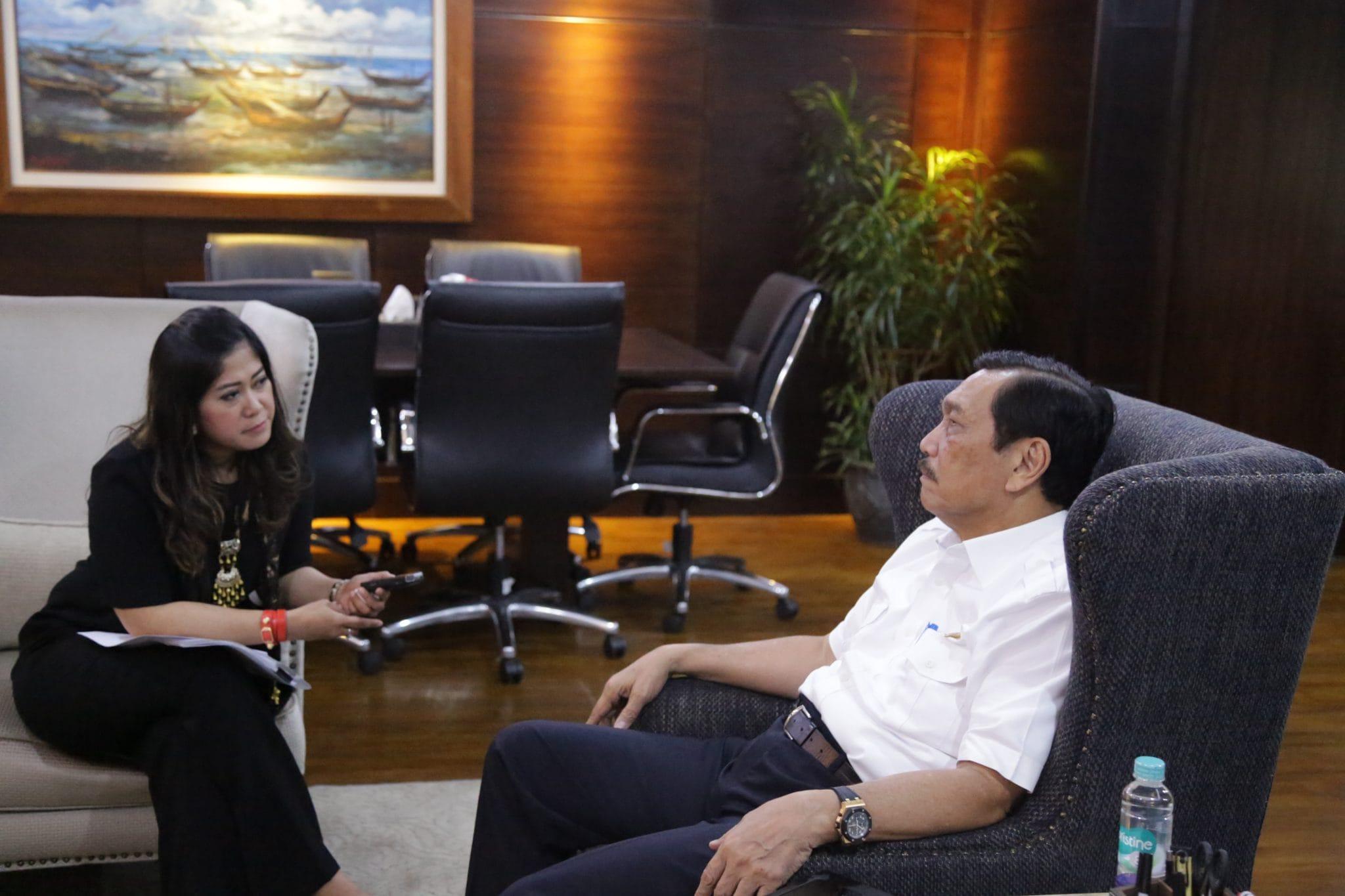 Menko Luhut Rapat dengan Wakil Ketua Komisi I DPR RI