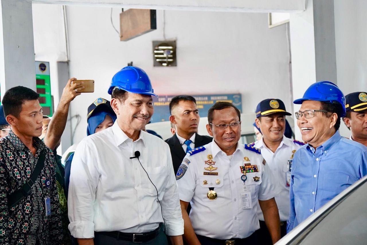 Menko Maritim dan Menhub Tinjau Fasilitas Uji KIR Gratis di Surabaya