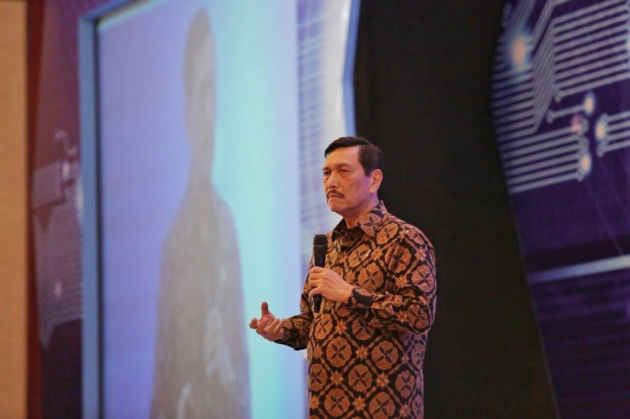 Seminar Nasional Kehumasan: Menko Luhut Minta Media Beritakan Informasi Sesuai Fakta