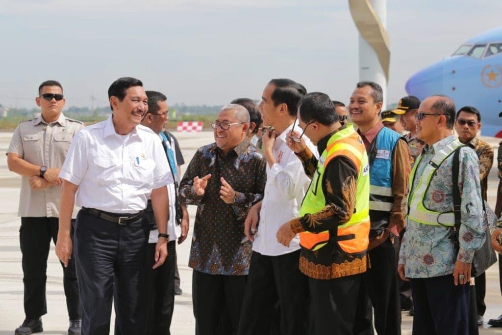 Presiden Joko Widodo Lakukan Pendaratan Perdana di Bandara Internasional Jawa Barat