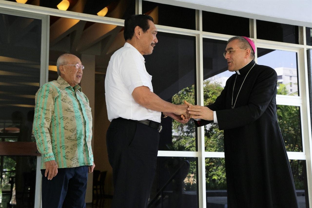 Menko Kemaritiman Luhut B. Pandjaitan Meeting bersama H.E. Monsignor Piero Pioppo (Apostolic Nuncio in Jakarta)