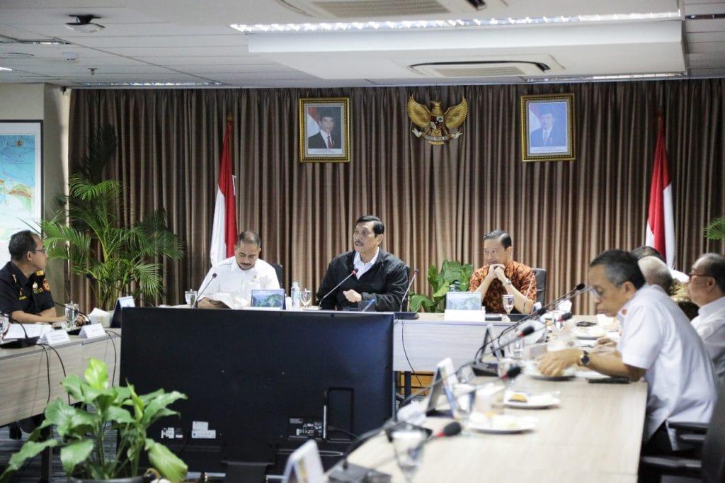 Menko Luhut Pimpin Rapat Pembahasan Usulan Penghapusan PPN Barang Mewah untuk Kapal Yacht Asing