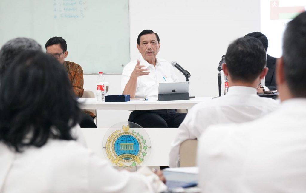 """Menko Luhut """"Diplomat Harus Percaya Diri Untuk Mewakili Indonesia Di Dunia Internasional"""""""