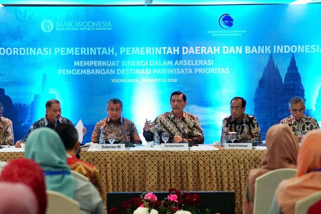 Menko Luhut Sampaikan Materi padaDiskusi Publik Memperkuat Sinergi dalam Akselerasi Pengembangan Destinasi Pariwisata Yogyakarta