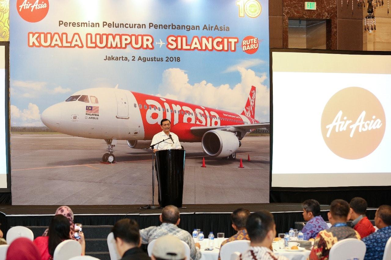 Menko Luhut Memberikan Sambutan pada Acara Peresmian Peluncuran Penerbangan Airasia Rute Kuala Lumpur-Silangit