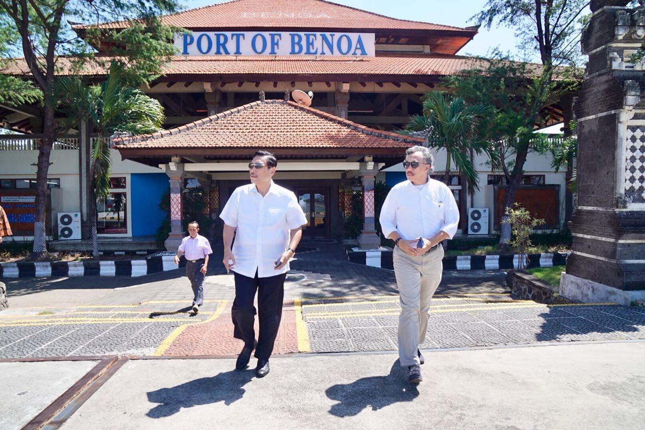 Menko Luhut Mengecek Proses Pembangunan Pelabuhan Tanjung Benoa