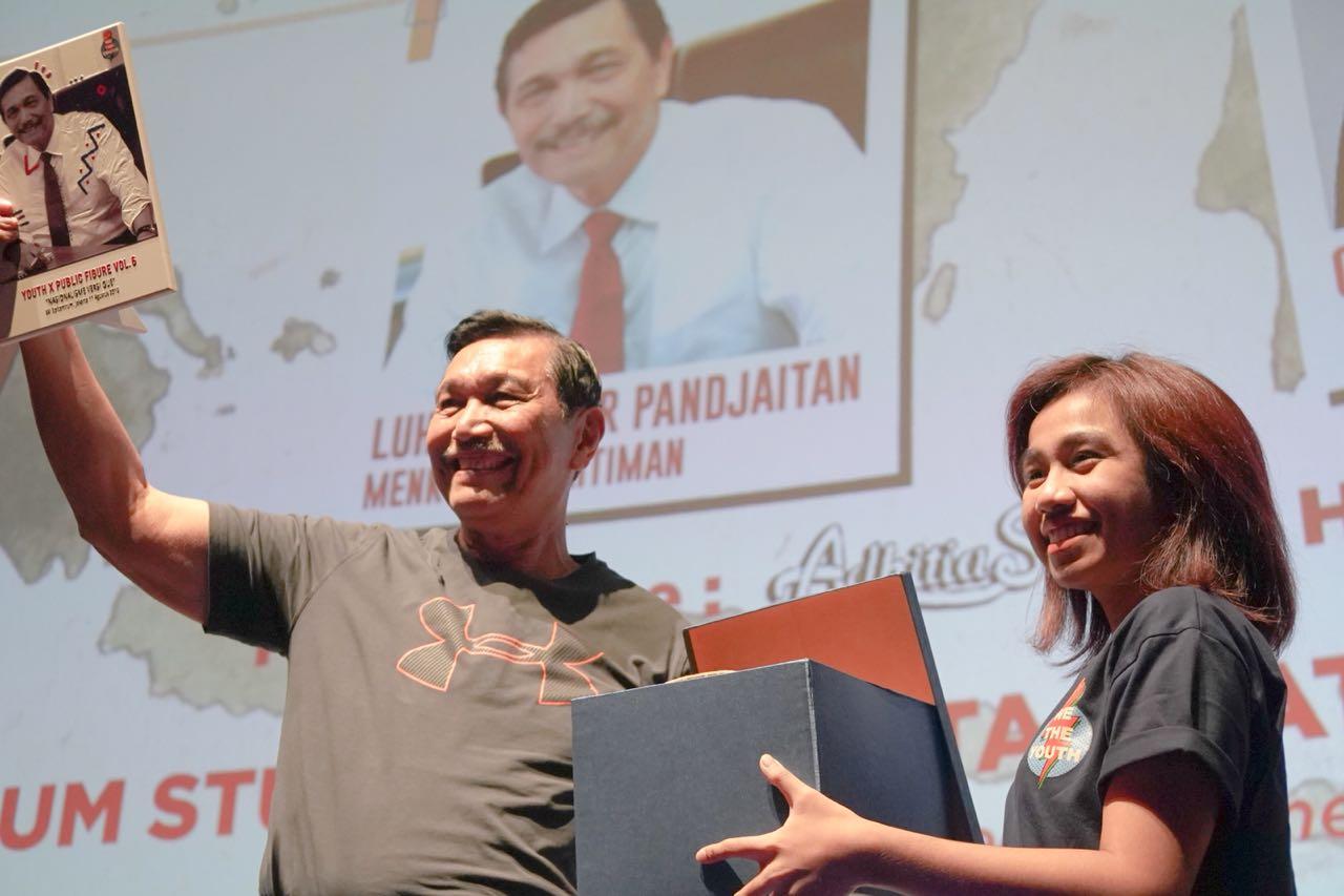 """Menko Maritim Luhut B. Pandjaitan Menghadiri Undangan Sebagai Narasumber di Acara Talkshow """"Youth Public Future"""""""