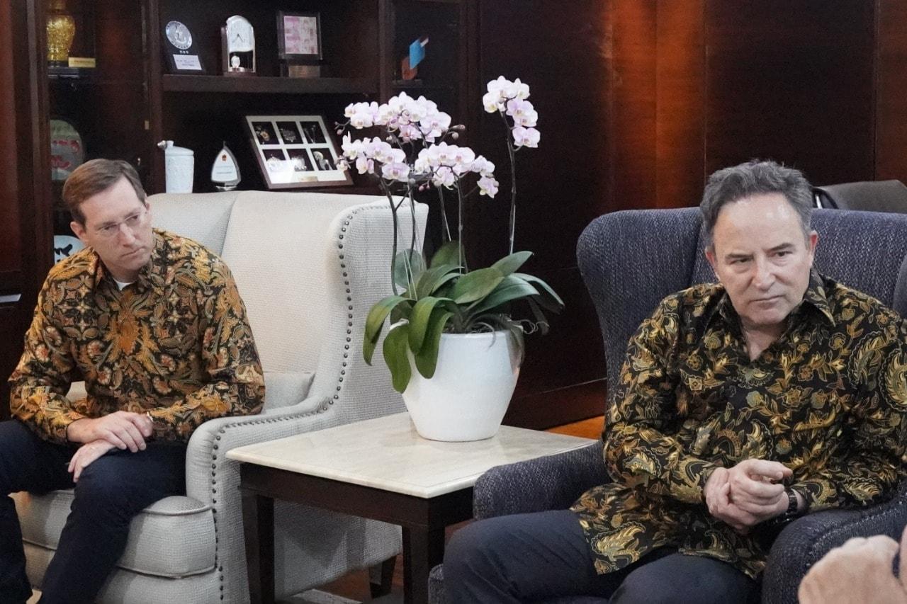 Menko Maritim Luhut B. Pandjaitan Meeting Bersama Mr. Paco Ybarra